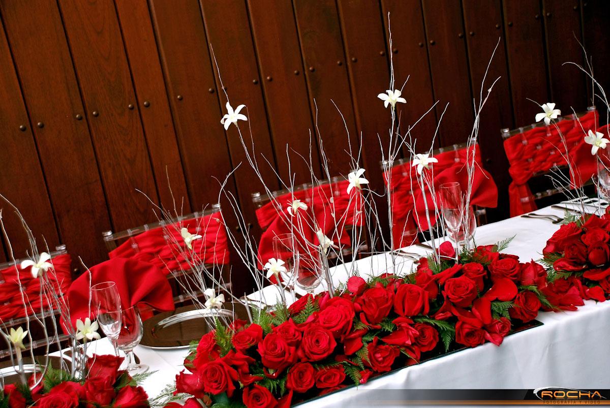 Decoraci n centros de mesa con flores y accesorios para for Decoracion de accesorios