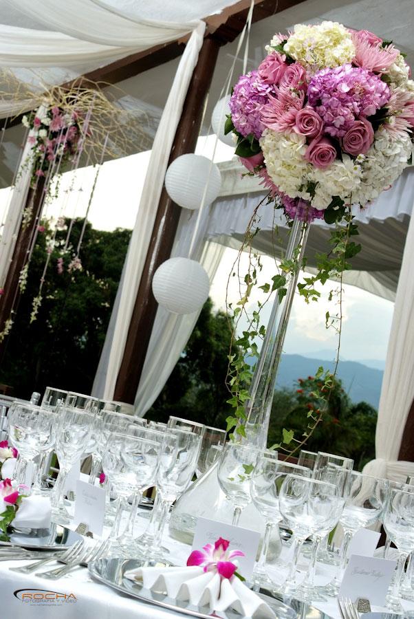 Centros de mesa de cristal para boda imagui for Mesas de cristal para bodas