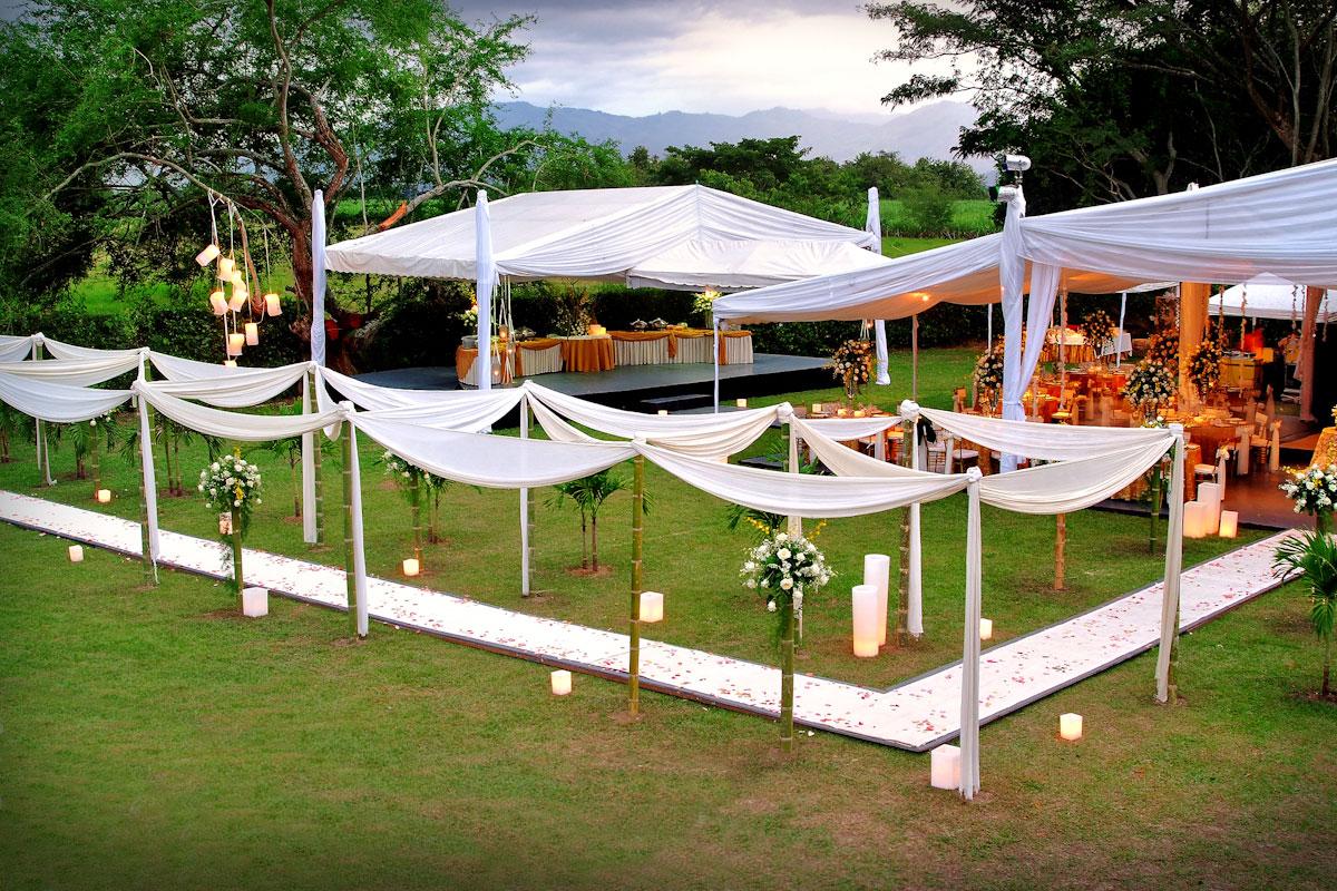 Consejos para organizar una boda campestre entremanteles for Centro de mesa boda campestre