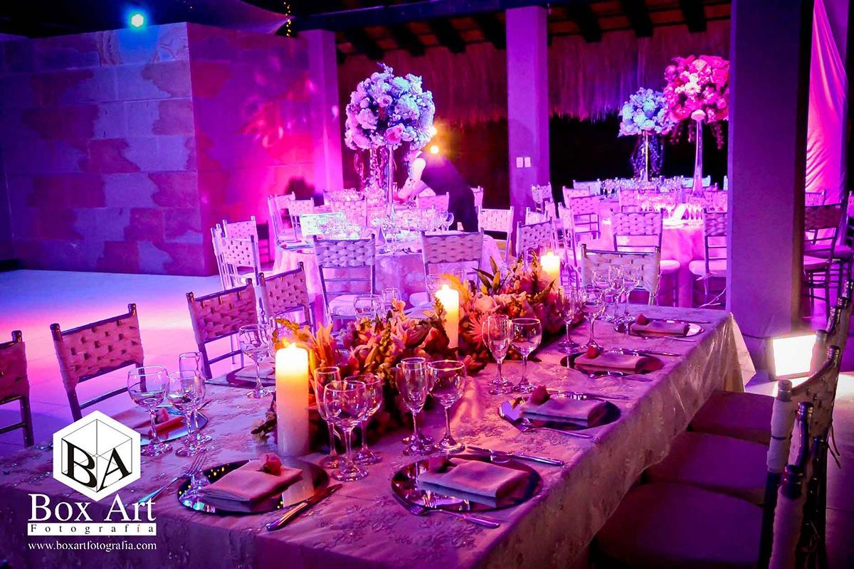 Decoraci n de bodas en cali la mesa de los novios organizaci n de bodas bodas en cali - Decoracion de mesas para fiestas ...