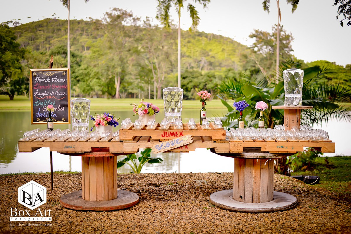 Organizaci n de bodas en cali detalles vintage para tu for Decoracion fiesta vintage