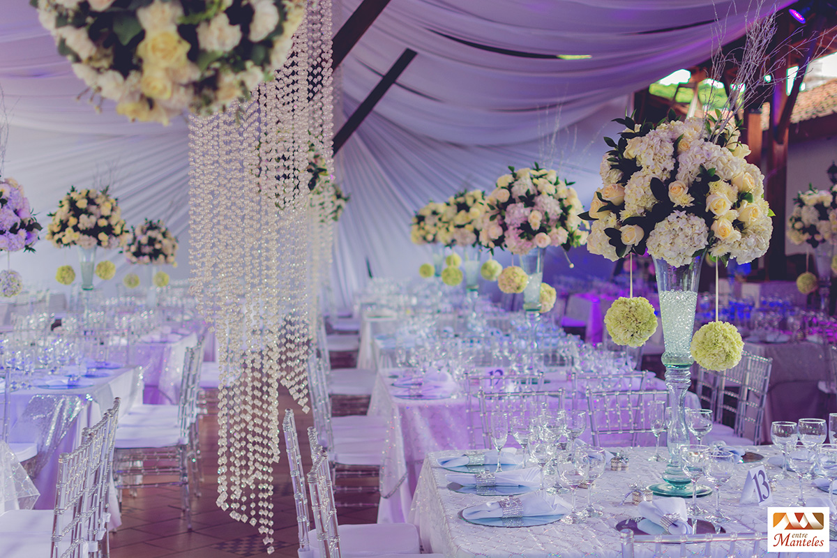 Organizaci n de boda en cali decoraci n bodas y eventos - Decoracion en cristal interiores ...